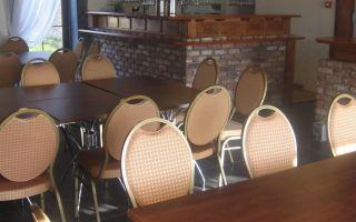 tafels en bar.jpg